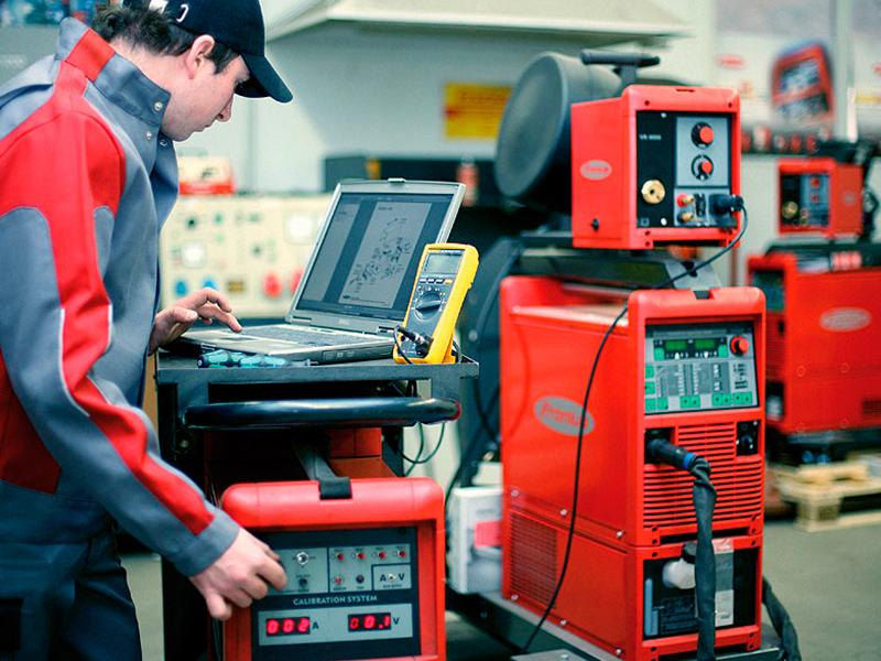 Servicio de calibración de equipos  de medicion y proteccion